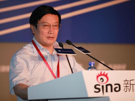 杨再平:股市巨额资金可破解中等收入陷井