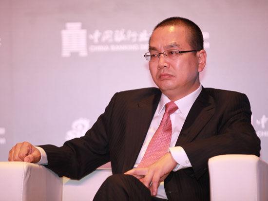 """""""2015银行业发展论坛""""于7月9日在北京举行。上图为华夏银行资产管理部总经理许明"""
