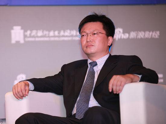 """""""2015银行业发展论坛""""于7月9日在北京举行。上图为中信银行公司银行部总经理助理朱义明"""