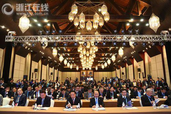 首届海峡两岸暨香港、澳门互联网发展论坛举行
