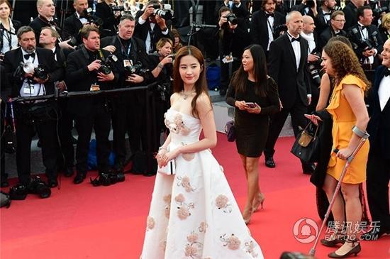 刘亦菲通灵戛纳电影节开幕式红毯出席神探电影天堂图片