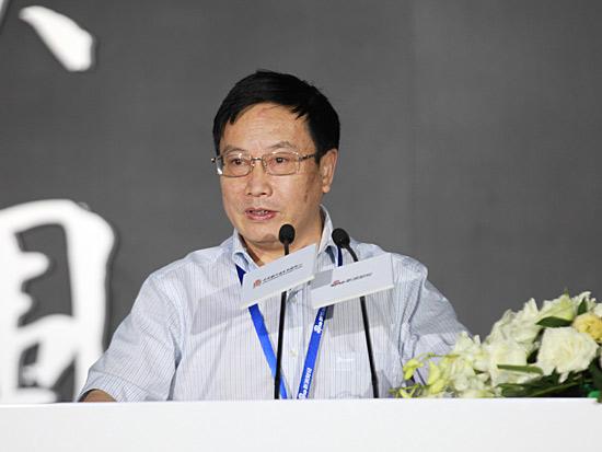 杨再平:突围已是势在必行 银行业要有新活法