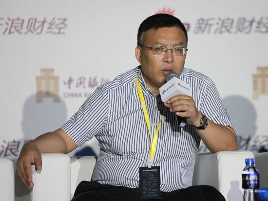 浦发杨再斌:银行转型的挑战是经济高杠杆