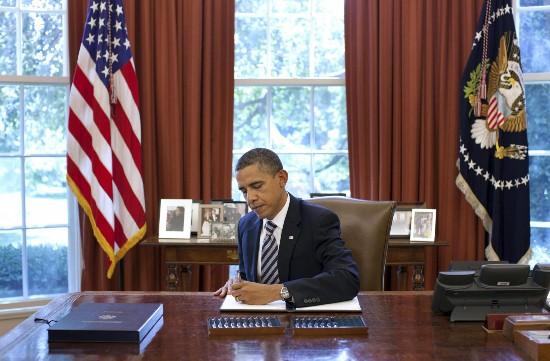 奥巴马夫妇离开白宫后首笔收入:4000万美元稿费