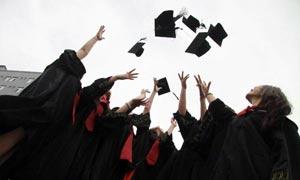 大学生毕业季,银行应更早地抓住他们的未来