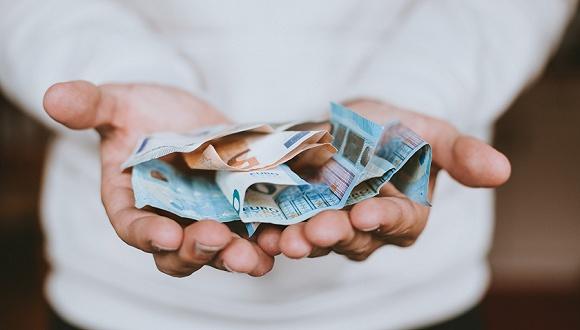 严监管下网贷催收手段由明转暗 提成最高可达50%