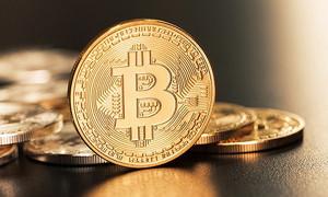 """首例比特币""""分叉""""争议案审结 OKCoin币行被判返还原告38.748个比特币现金"""
